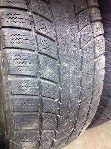 2 pneus d'hiver 235/65/17 Triangle Snow Lion