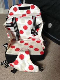 Portable baby booster feeding seat