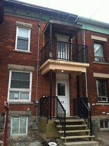 Home for rent to students,5 bedrooms,close to university,May 1st