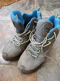 Regatta hiking boots size 6