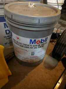 Mobil delvac full synthetic 75w90 gear oil