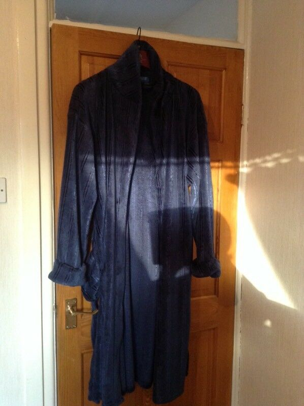 Mens Velour Dressing Gown In Runcorn Cheshire Gumtree