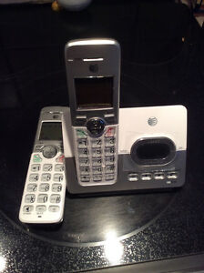 DIGITAL 6.0 cordless phones with answering machine..like NEW