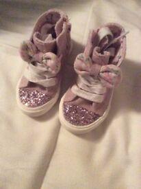 Little girls glitter pumps