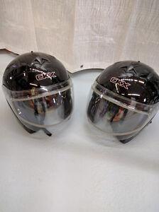 Deux casques CCX d'hiver Large
