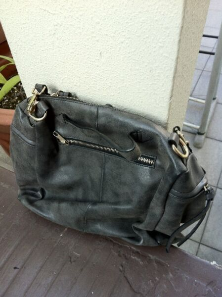 Black hand bag.  In good condition.