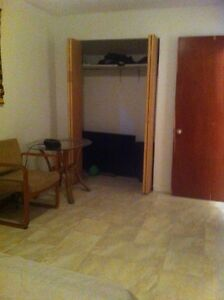 room for rent (shared 3 1/2) in Lasalle