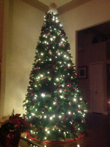 Spectacular 14' Christmas Tree including all decorations.