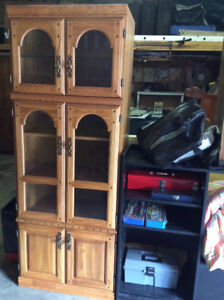 China or book cabinet