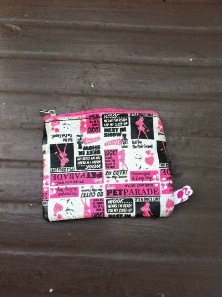 Barbie wallet. Dimension 10 x 9cm.  In good condition.