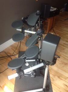 Drum Yamaha DTXPLORER + ampli Yamaha