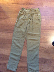 Wilfred pants from Aritzia