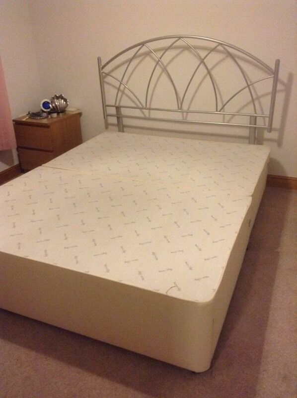 KING SIZE DIVAN BASE4 DRAWERSin Honley, West YorkshireGumtree - Selling a divan base with 4 fully working drawers. Comes in two sections. Mattress not included. Headboard listed separately. Dimensions W152 x L198 x H36cmIn good condition and from a smoke free and pet free home
