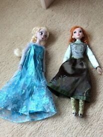 Frozen Elsa and Anna skating figures