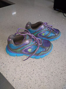Girls champion sneakers size 11.5
