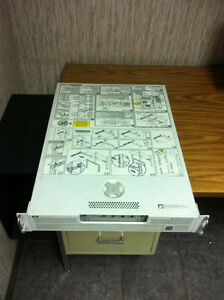HP lp2000r Netserver rack server Loaded