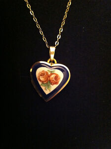 """Jewellery . Chain 18"""" and heart pendant,"""