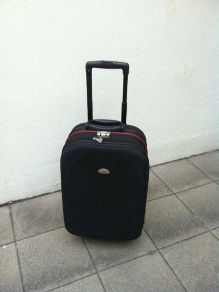 President 22 inches cabin luggage with combination lock. Used only once and in good condition.
