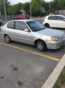 2005 Hyundai Accent Automatic Pas cher $950.00 tel Quel