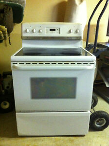 Fridgidaire Gallery Smooth Top Stove