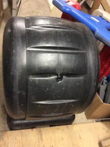 Bac composteur rotatif