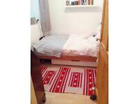 Small DOUBLE room, STOKES CROFT, Short Term Av Oct - Mid November