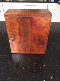 Key box in mango wood