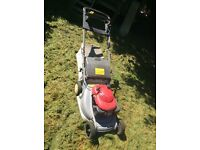 HONDA HRB 475 - self driving petrol mower