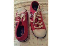 Size 2 pink heelys