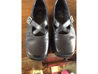 Ladies Navy Leather 'Hotter' Shoes Size 4