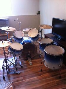 6 piece Mapex Pro M drum kit. 1200 OBO