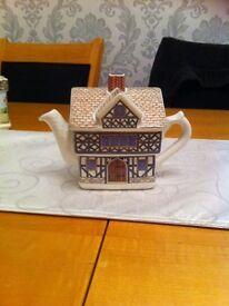Sadlers teapot