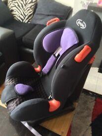 Car seats for sale 0-25 kilo 30£