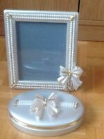 Jewelry box and frame negotiable