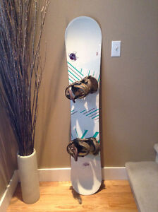 K2 Luna 151 Womens Snowboard with Burton bindings