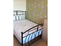 Double rooms in 3 bed Gateshead flat close to Metro