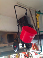 Lawn Seed Spreader Broadcaster