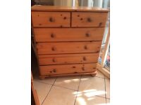 I,MACULATE SOLID PINE CHEST OF DRAWERS
