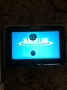GPS Magellan Maestro 4250 Cambridge Kitchener Area image 1