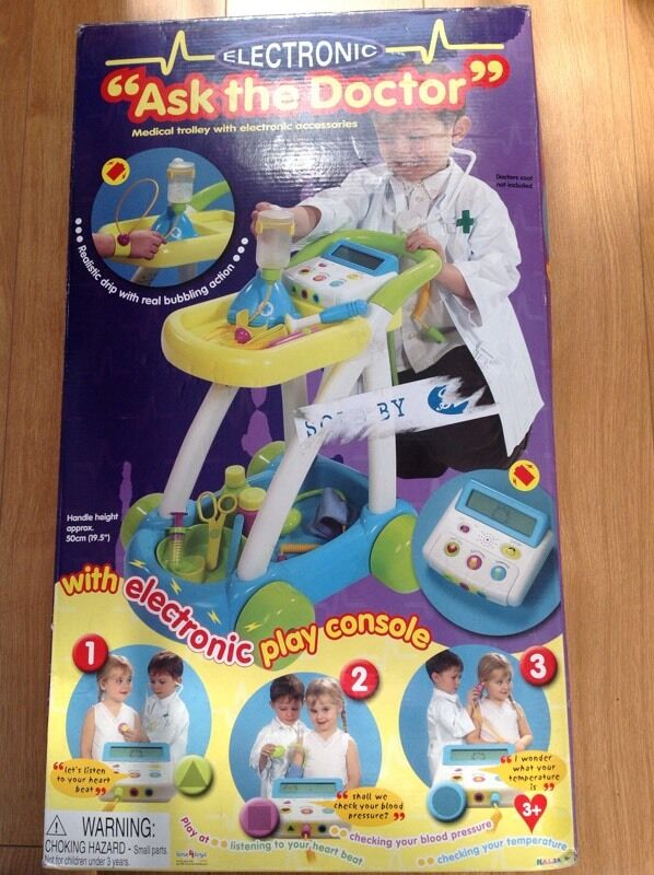 Electronic ask the doctor medical trolley with play console by Halsallin East Kilbride, GlasgowGumtree - Electronic ask the doctor medical trolley which has 2 position tray height at 36 cm and 46 cm and electronic accessories. Includes medical trolley, realistic drip with real bubbling action, an interactive battery operated console to monitor heart...
