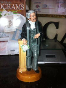 ROYAL DOULTON FIGURINE THE LAWYER