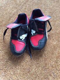 Boys size 10 Puma football boots