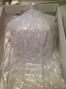 Stunning Size 7 Wedding Gown Kawartha Lakes Peterborough Area image 2