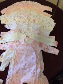 10 new born baby grows