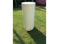 Brabantia cream bin / kitchen pedal bin