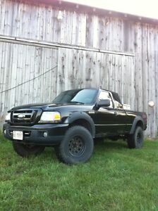 2007 Ford Ranger! Must See! E tested. Lifted! 4WD