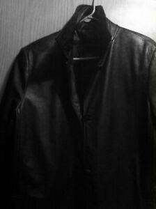BLACK LEATHER LADIES DANIER LEATHER COAT. ZIP LINING