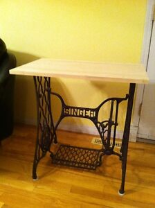 Singer Sewing Machine-coffee/end table