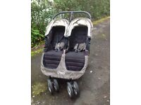 Double city jogger with carrycot