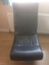 Black Gaming Chair like new